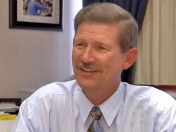 School Superintendent Gives Up $800k
