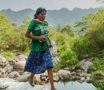 She Won an Ultramarathon Wearing a Skirt and Rubber Sandals