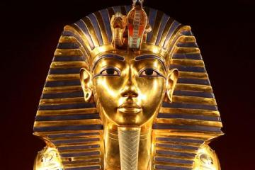 Death Mask of Tutankhuman (Creative Commons, author Carsten Frenzl)