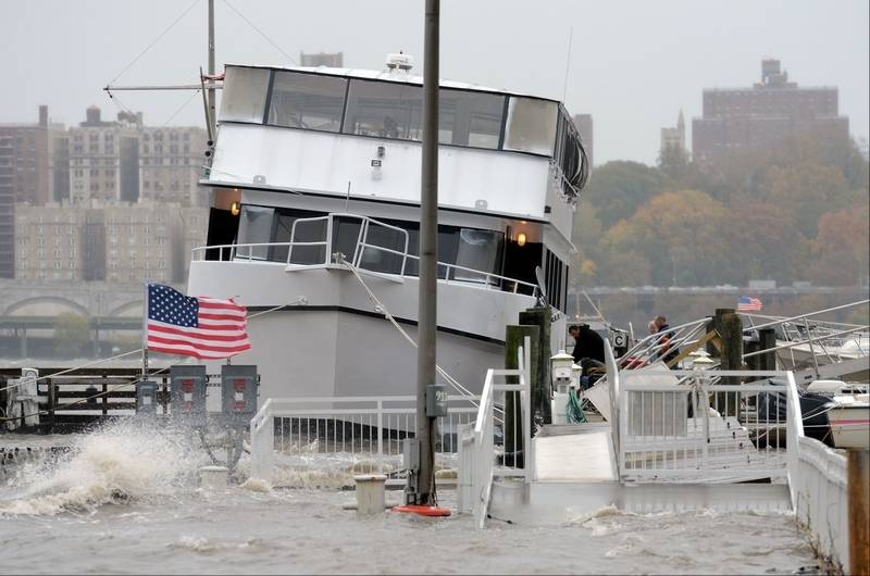 Images Sandy Pounds The East Coast