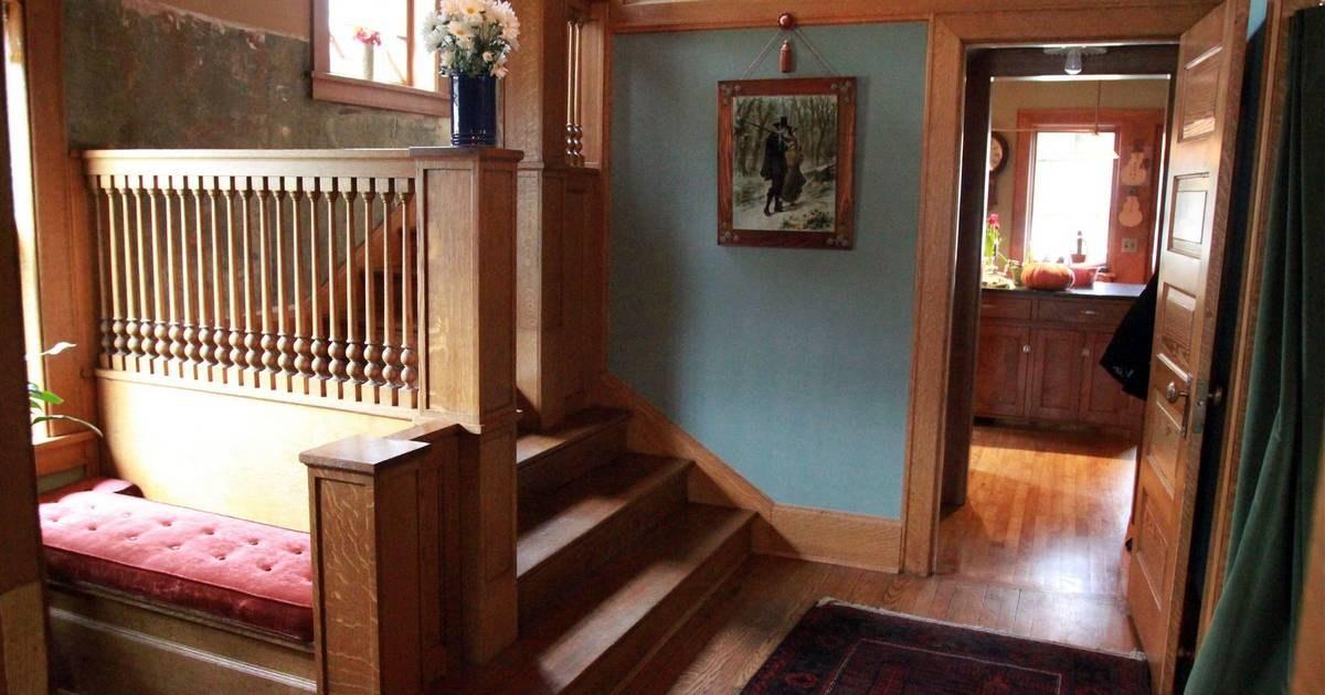 Frank Lloyd Wright Homeowners Seek Originality | Frank Lloyd Wright Stairs | Exterior | Farmhouse | Gordon Strong | Bedroom | Wife