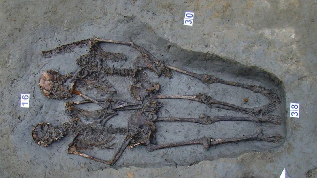 Ancient Roman Hand-Holding Skeletons Were Both Guys