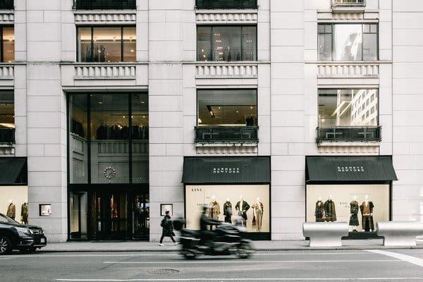 Barneys Department Store Shutting Down – Madison Avenue Location?
