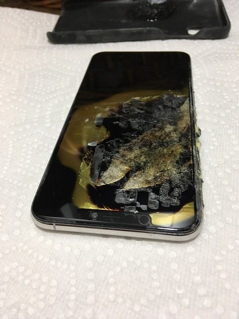 Worth More than 2 Lacs, iPhone XS Max Reportedly Exploded in Man's Pocket