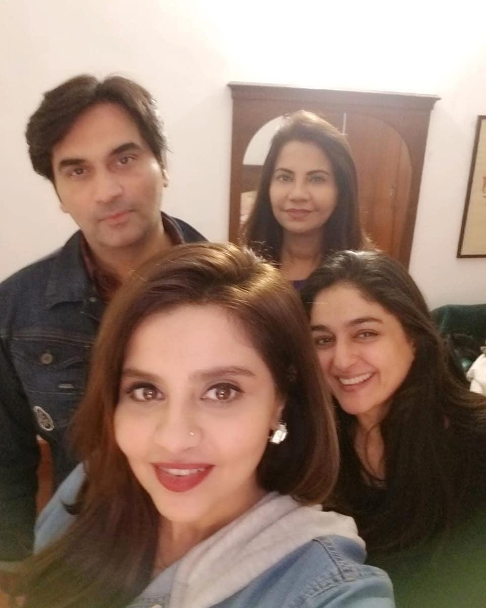 New Awesome Photos of Humayun Saeed with his Wife Samina Humayun