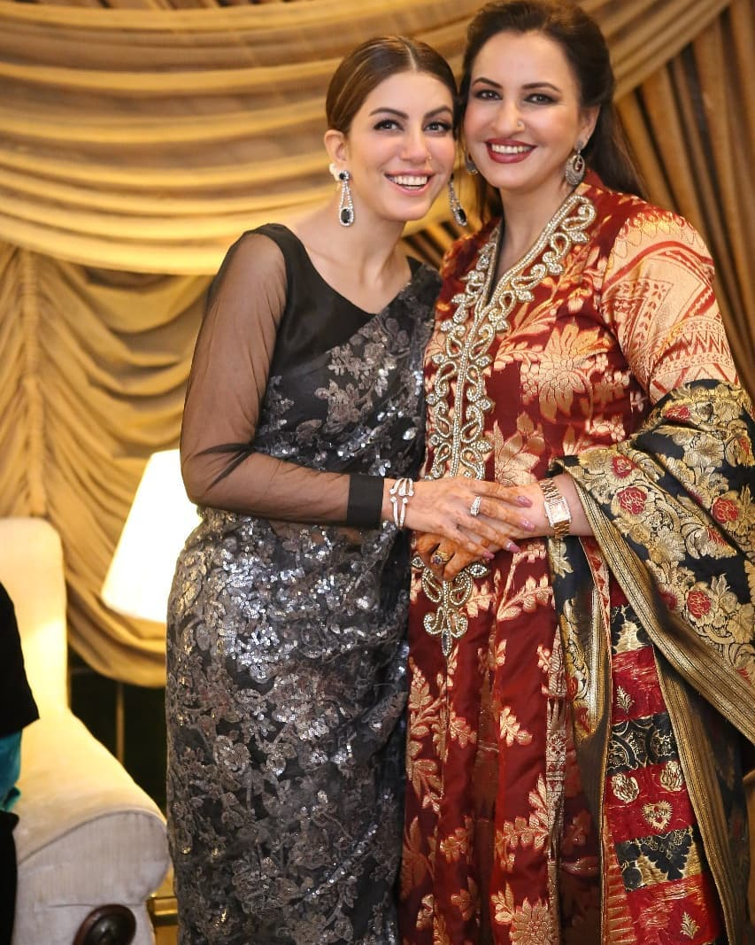 New Awesome Photos of Saba Faisal with her Newly Wed Son and Daughter in Law