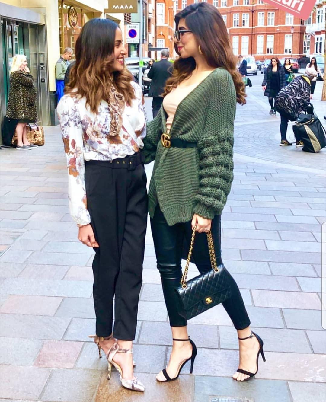 New Photos of Nimra Khan Enjoying Vacations in London