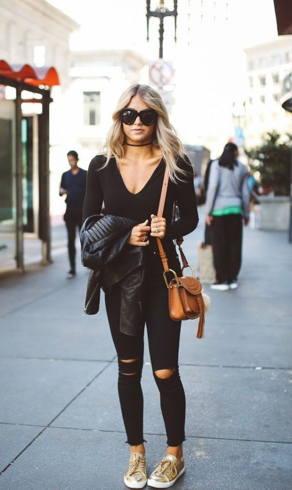 Stylish 15 Best of Casual Summer Outfits ideas with Ripped Jeans For Ladies