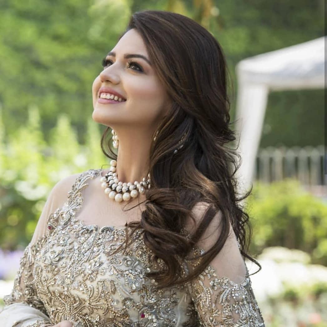 Zara Noor Abbas Looking Beautiful in her New Photoshoot