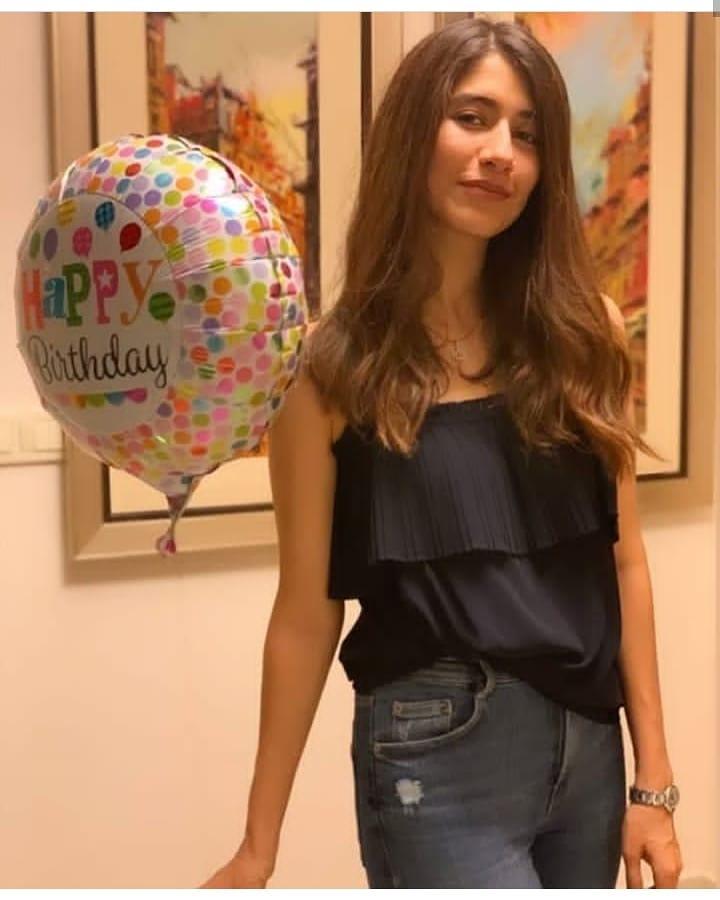 Syra Shahroze Celebrating her Birthday with her Family