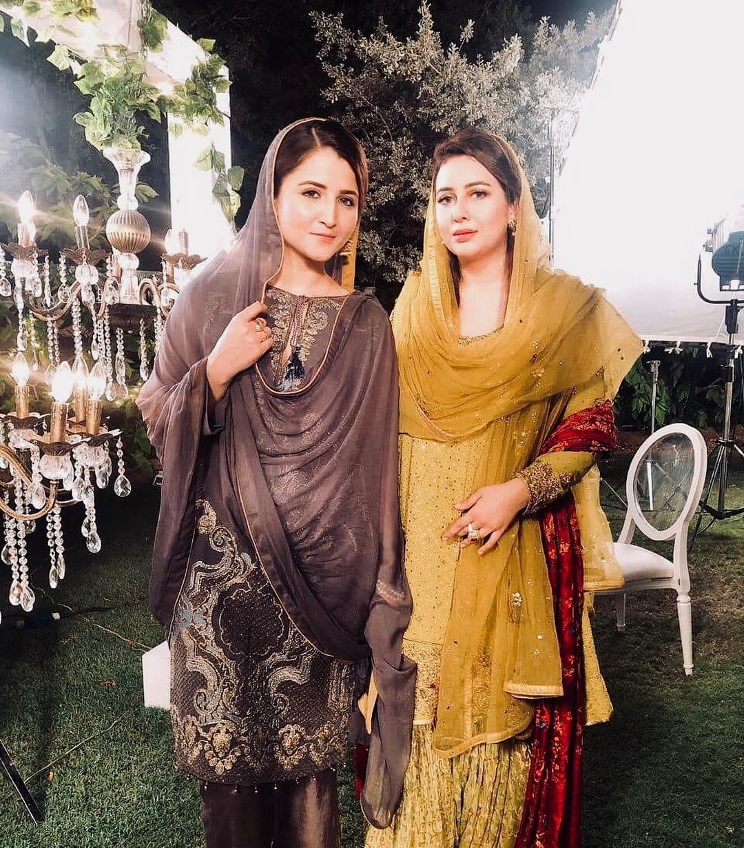 Anchors Rabia Anum and Neelum Usaf on set of Ramzan Transmission