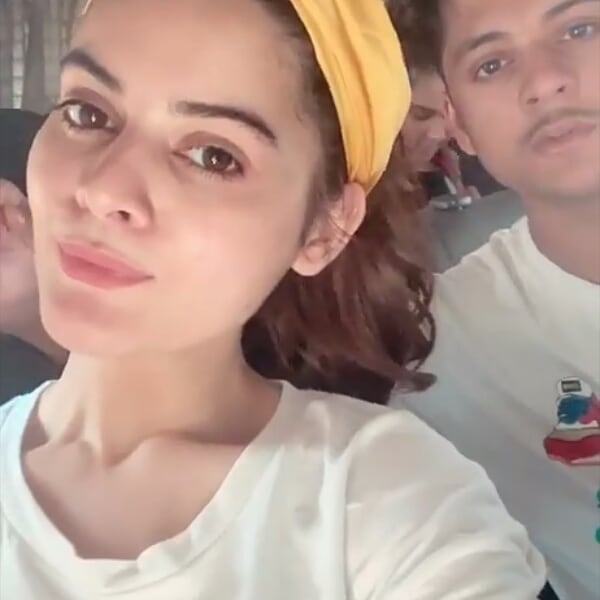 Minal Khan with her Friends and Family at Turtle Beach Karachi