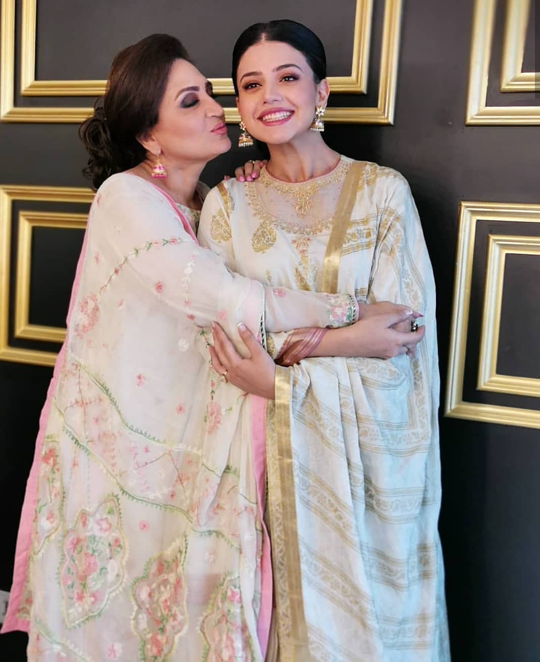 Awesome Photoshoot of Zara Noor Abbas with her Mother Asma Abbas