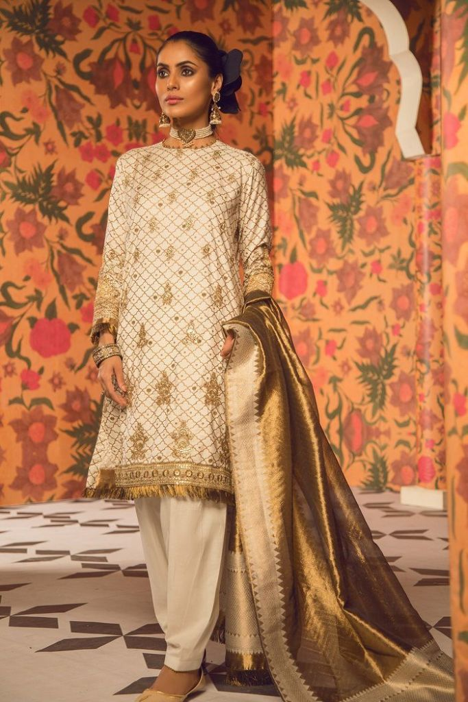 Stylish For Yr 2019 Trending Eid-ul-Fitar dresses by Famous Pakistani Designers