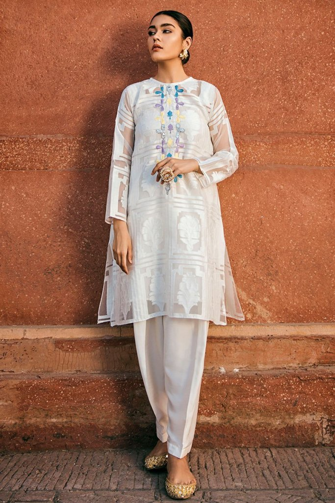 Stylish Get impressive Personality with Eid K Rang Collection by Cross Stitch For Yr 2019