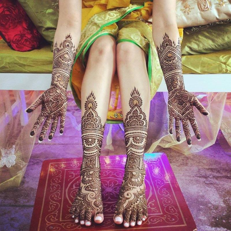 Stylish Eid-ul-Fitar Arabic Mehndi Styles for Pakistani Girls