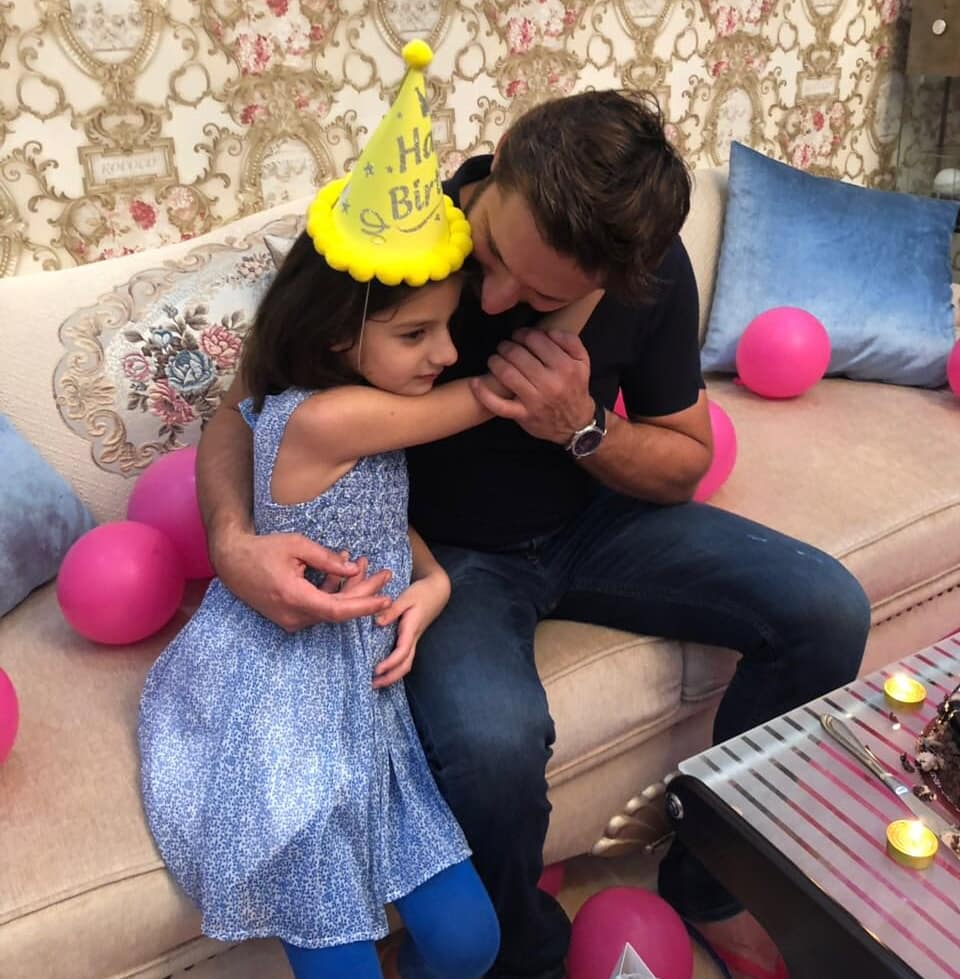 Shahid Afridi in Saudi Arabia to Perform Umrah with his Family