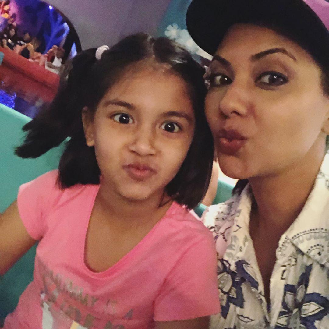 Beautiful Model Sunita Marshal Enjoying Her Vacations with Kids in Disneyland
