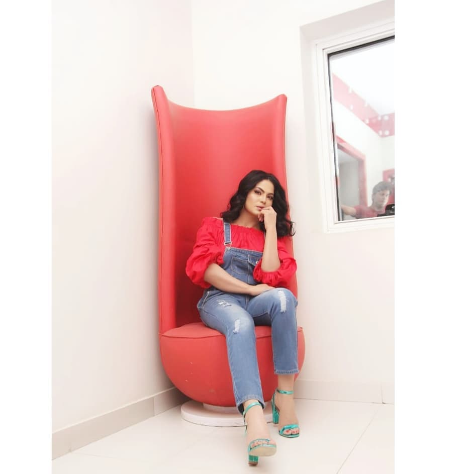 New Photoshoot Photos of Veena Malik for her upcoming New Project