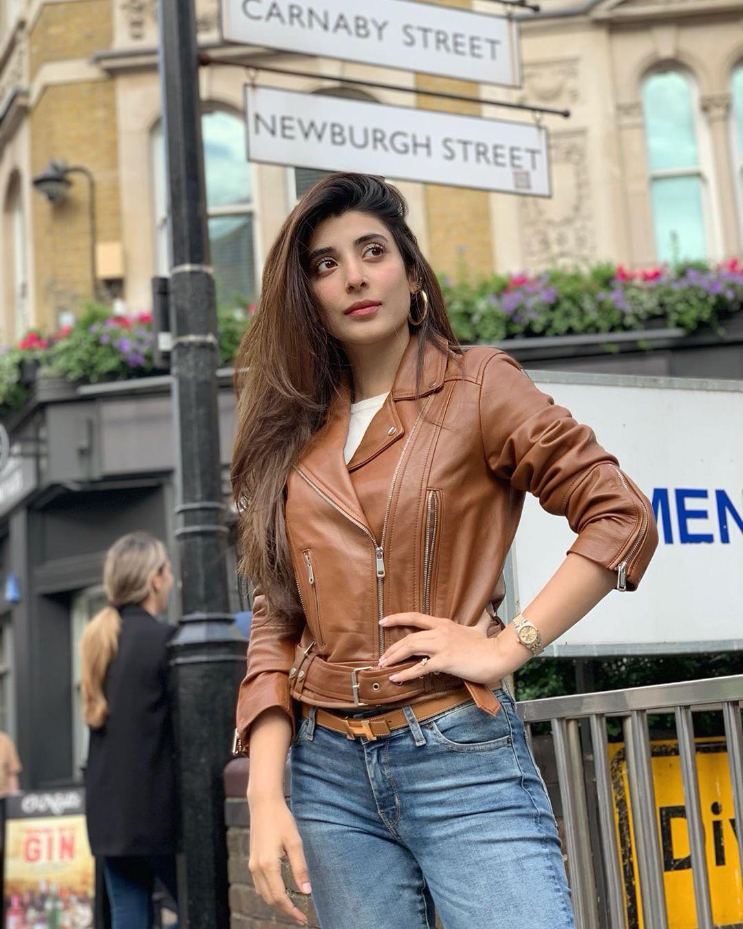 Awesome Photos of Mawra Urwa and Farhan Saeed in London