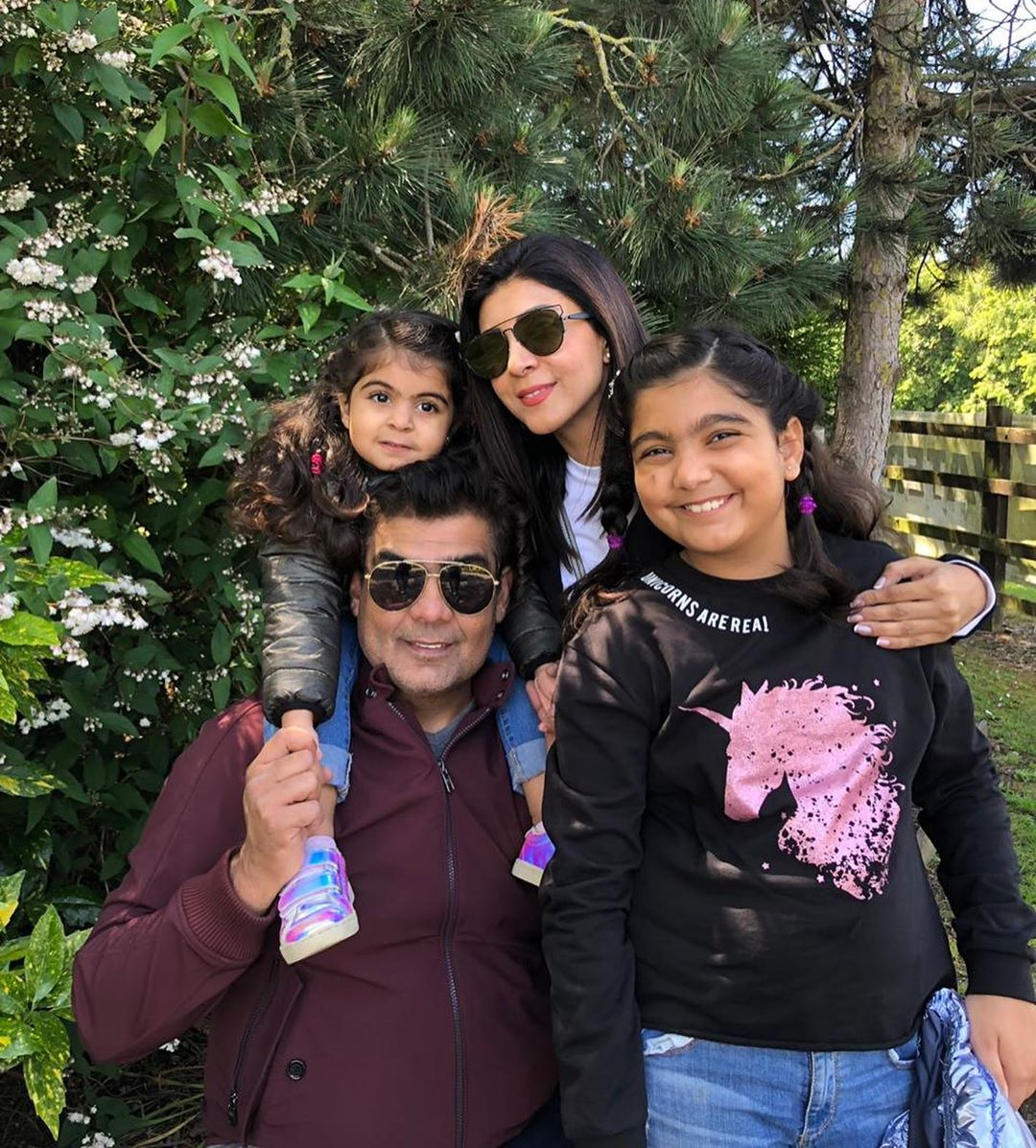 ARY President Salman Iqbal Vacationing with his Awesome Wife & Kids