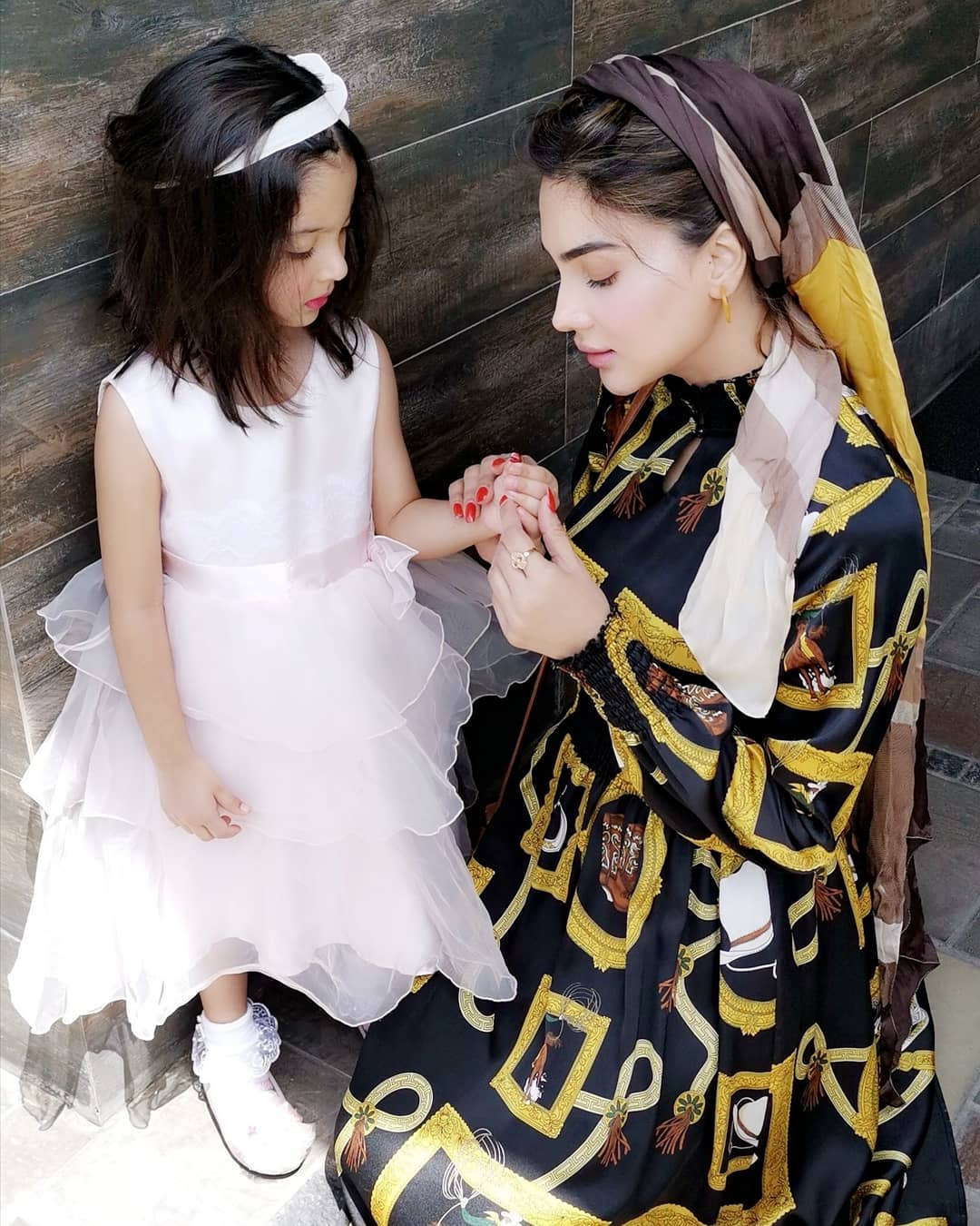 Awesome New Photos of Fiza Ali with her Daughter Faraal
