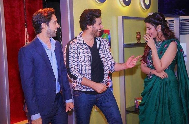 Hareem Farooq & Ali Rehman Khan Looking Awesome in Bol Nights with Ahsan Khan