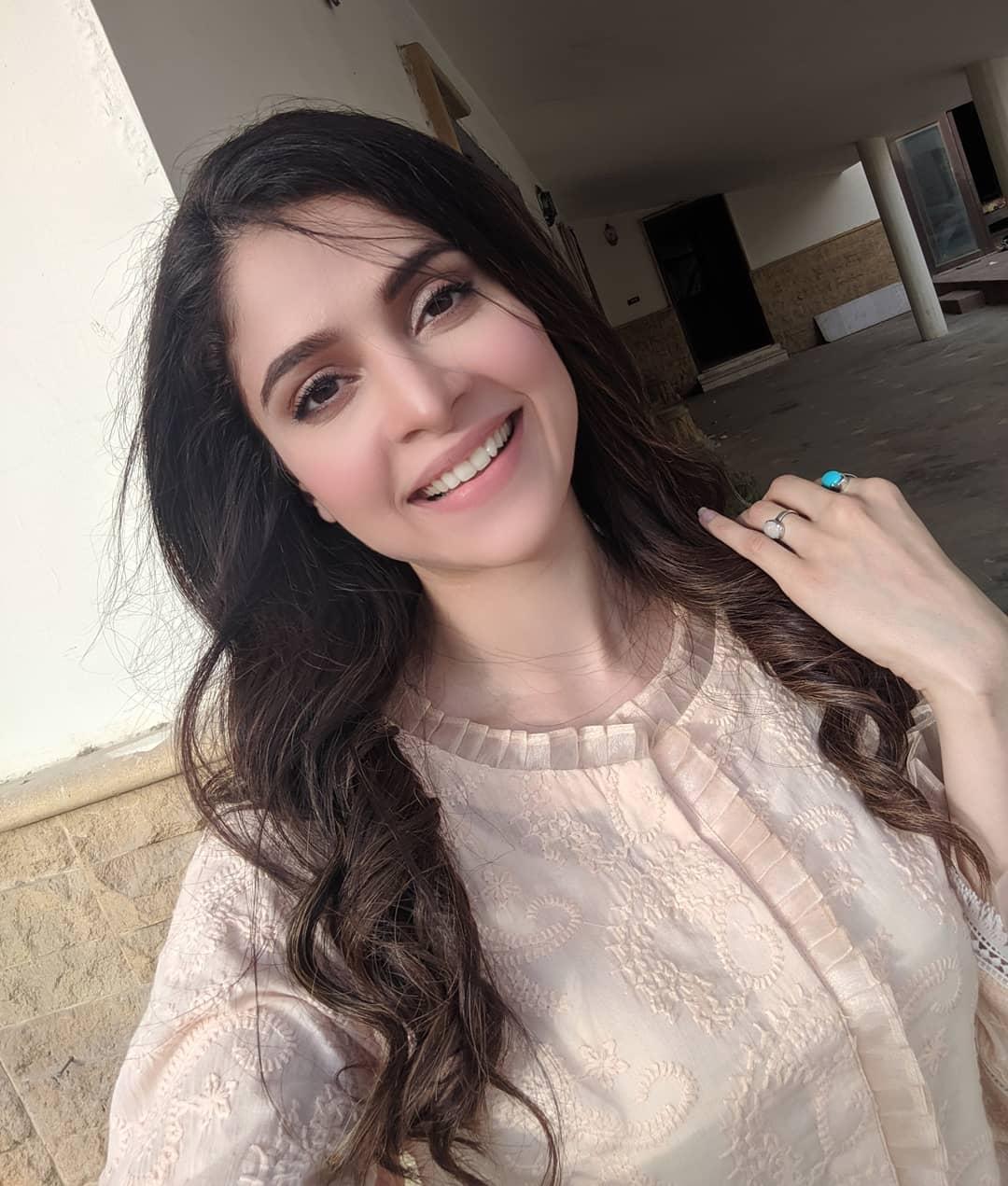 Gorgeous Arij Fatyma Beautiful Clicks