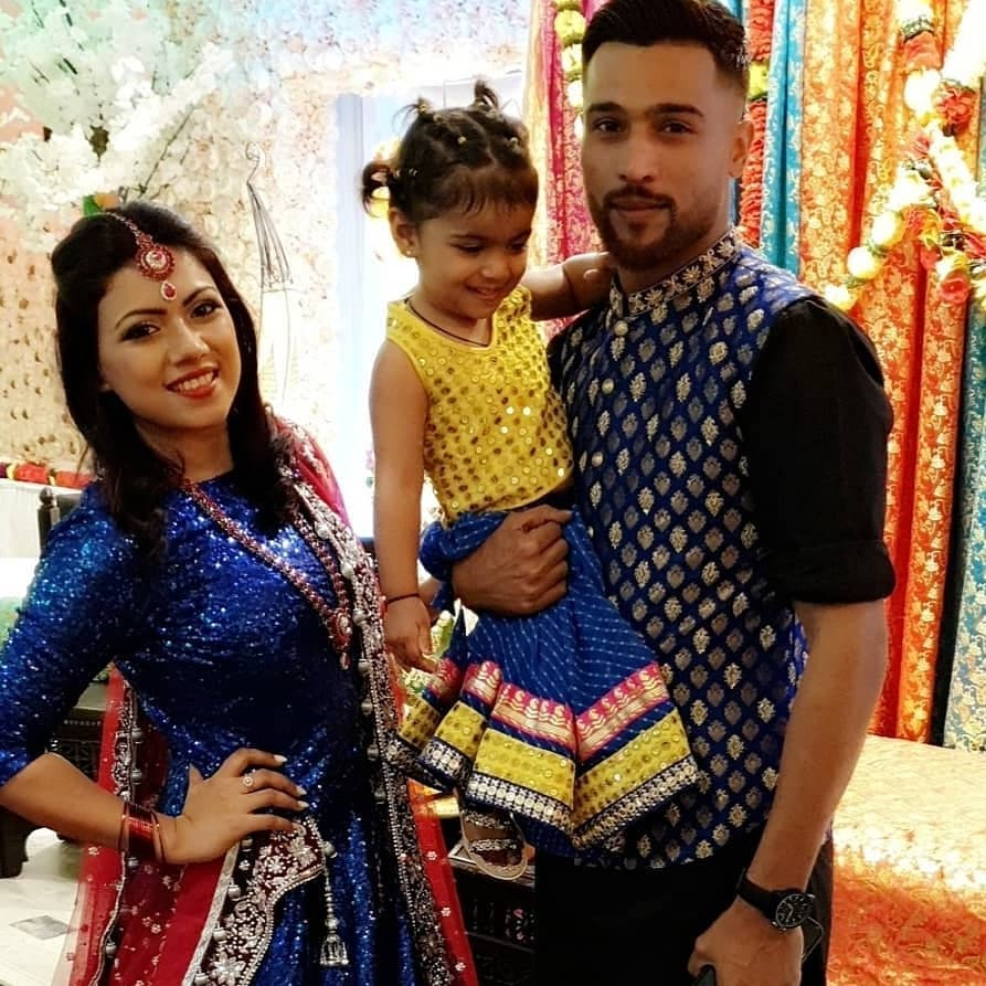 Famous Cricketer Muhammad Amir Spotted with his wife and Daughter at Event
