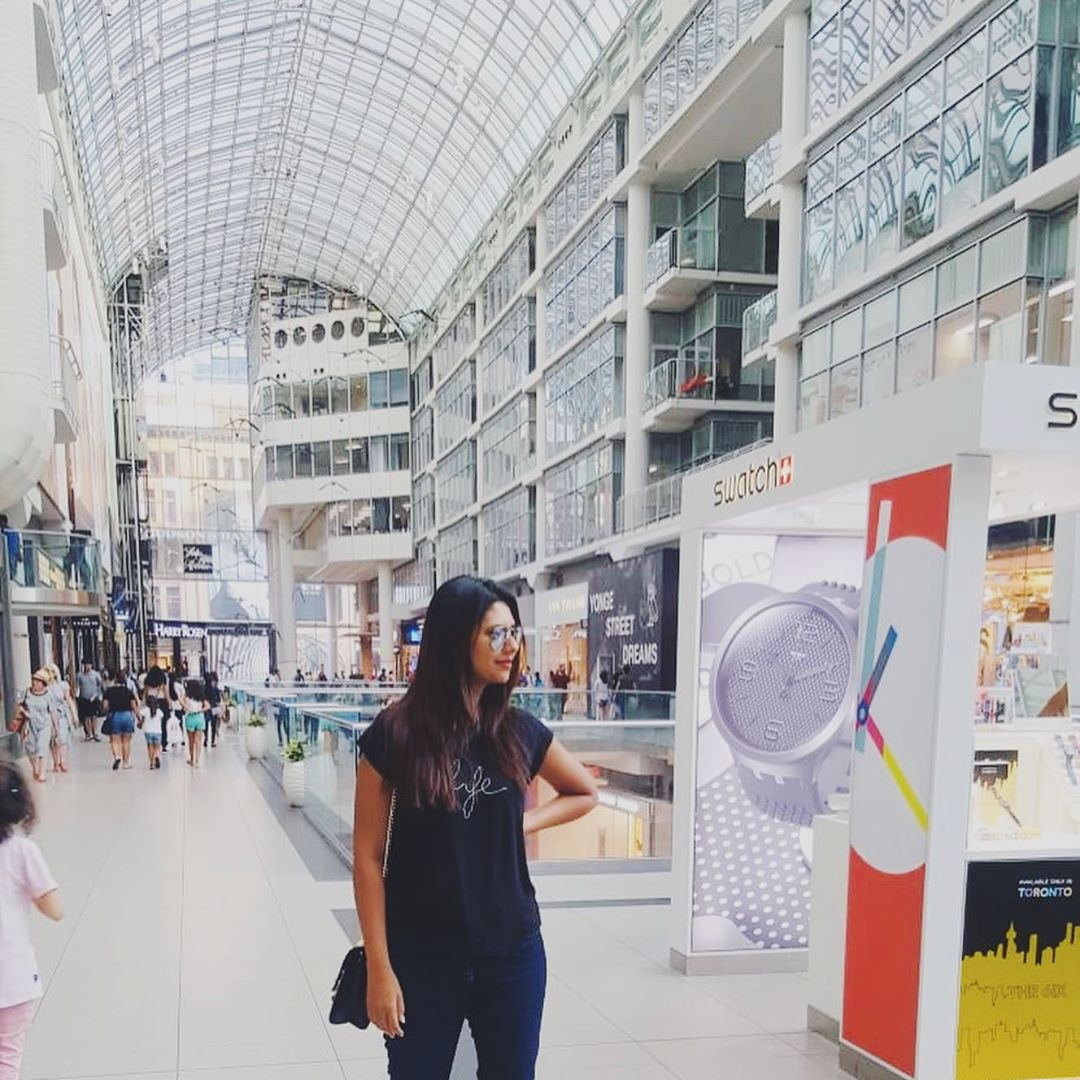 Model Sunita Marshal Beautiful Pictures with Family from Canada
