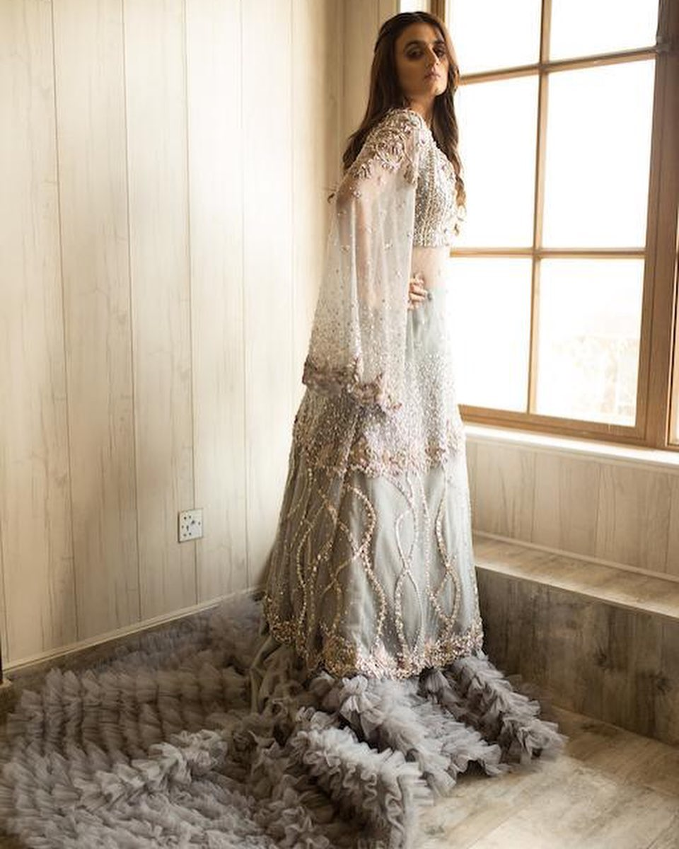 Beautiful Poses of Famous Star Hira Mani in New PhotoShoot
