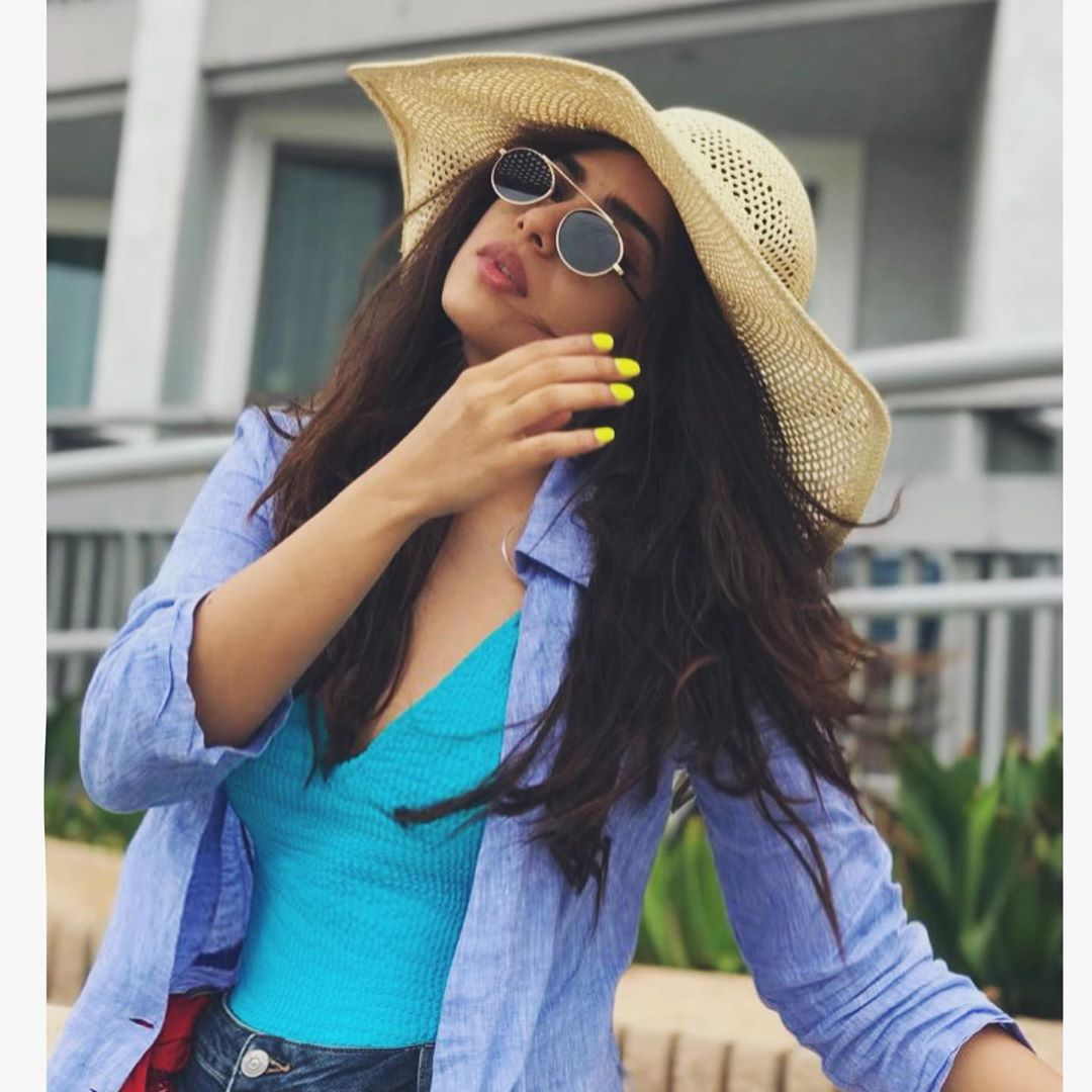Stunning Clicks of Actress Sonya Hussyn in Recent Photo shoot