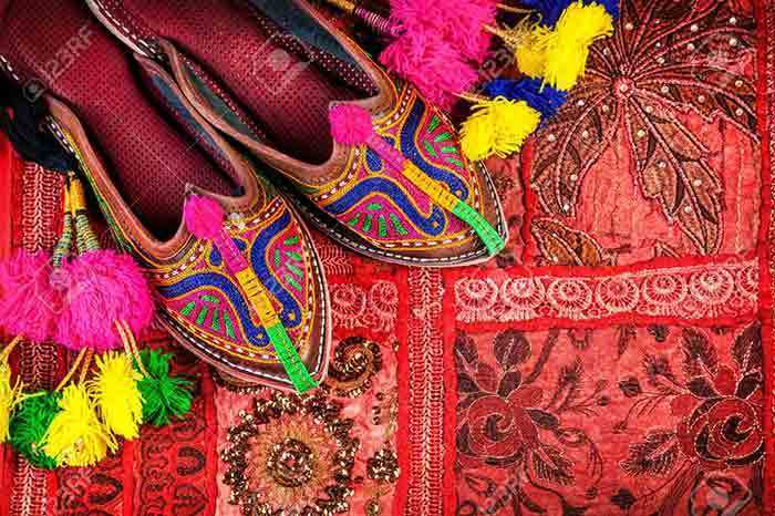 Get Traditional Touch this Eid-ul-Azha with These Ladies Khussa Designs