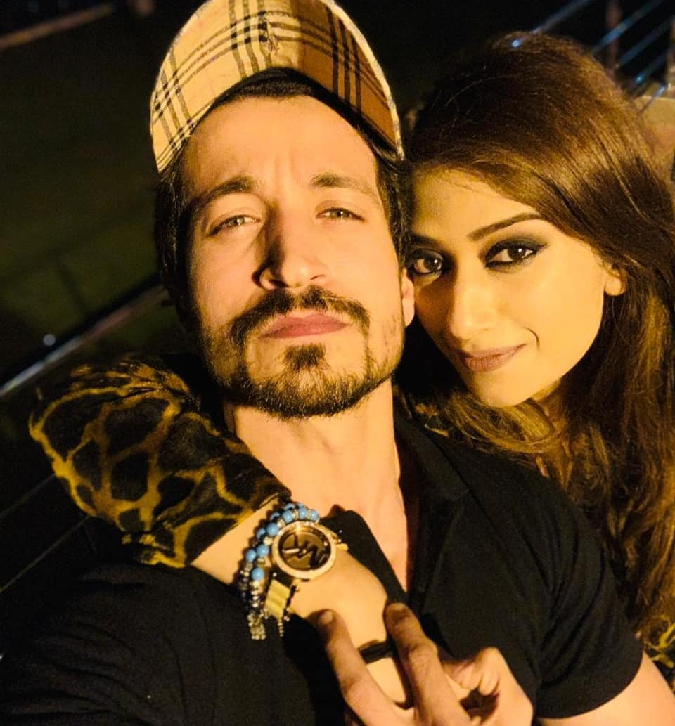 Beautiful Clicks of Actor Salman Faisal with his Wife