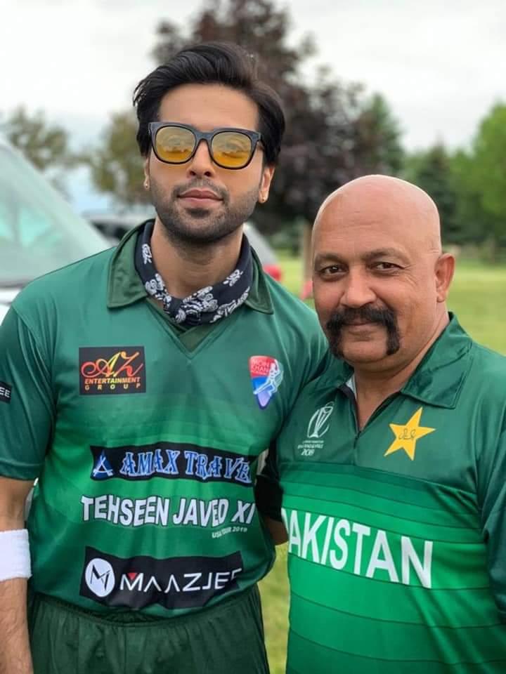 Pakistani Celebrities Playing Cricket 18