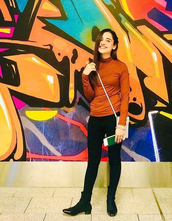 Beautiful Saniya Shamshad Spotted at Sydney