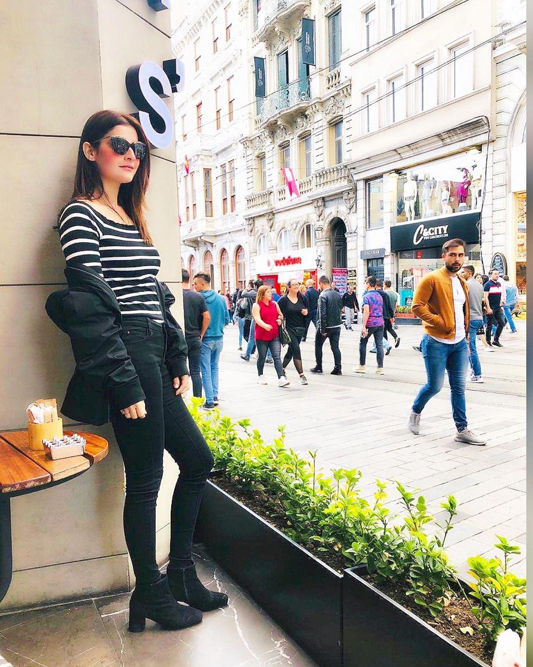 Amna Malik New Awesome Clicks From Istanbul Turkey