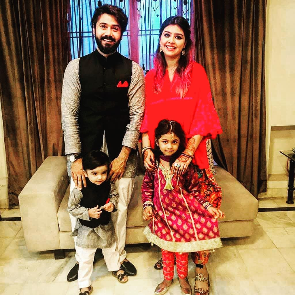 Awesome Clicks of Actor Ali Abbas with his Wife and Kids