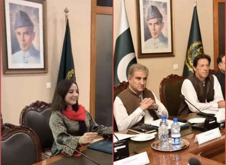 Tik Tok Star Hareem Shah Sitting on PM Chair | Investigation Started