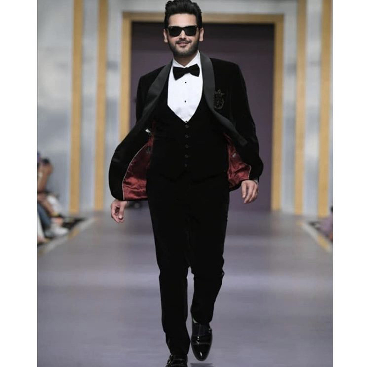 Humayun Alamgir Showstoppers Dancing Moves On The Ramp Of FPW 2019