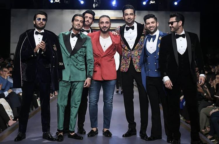 Pakistani Actors Awesome Dance Moves on Ramp During Ramp Walk