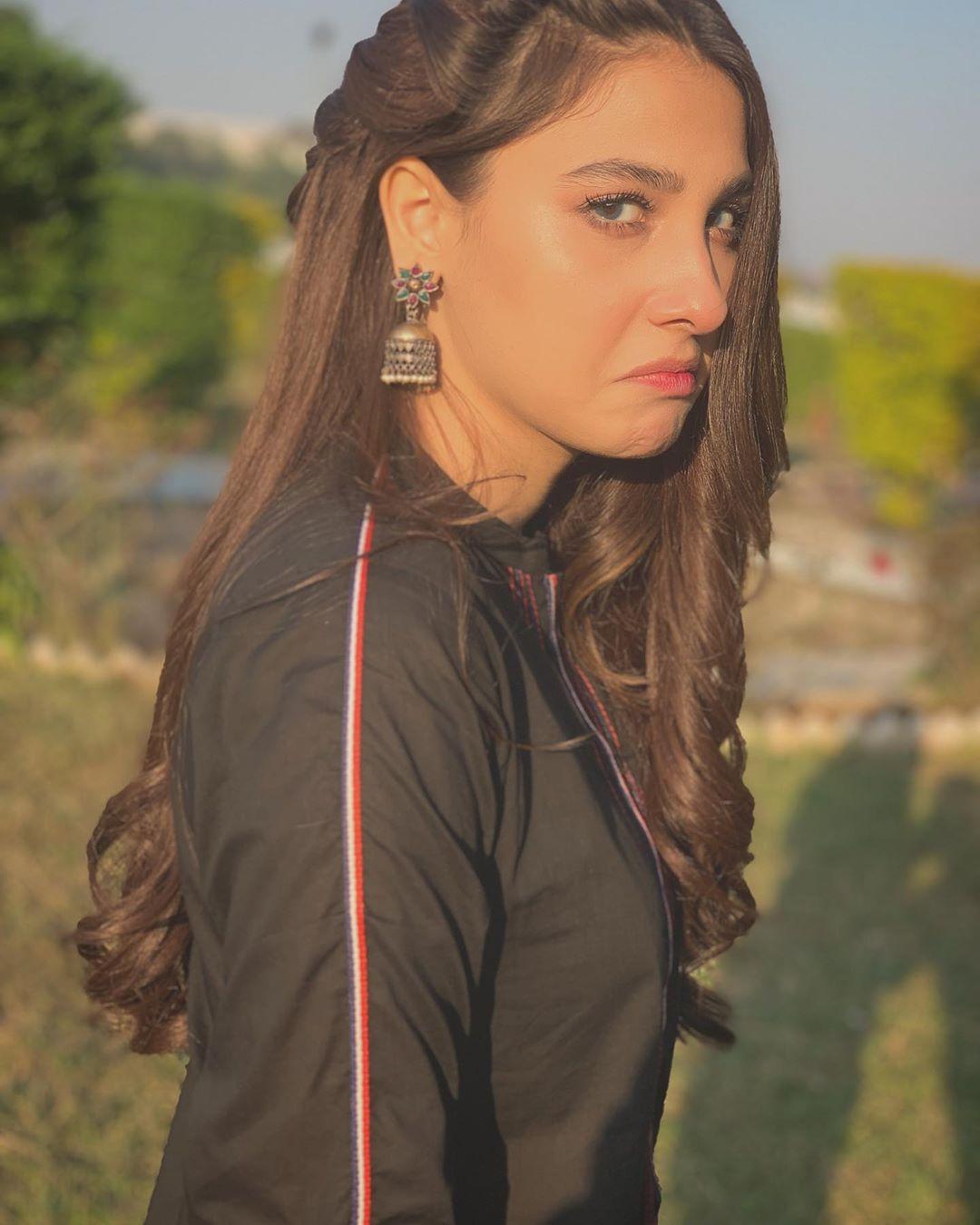 "Hina Altaf and Agha Ali on set of their Serial ""Dil e Gumshuda"""