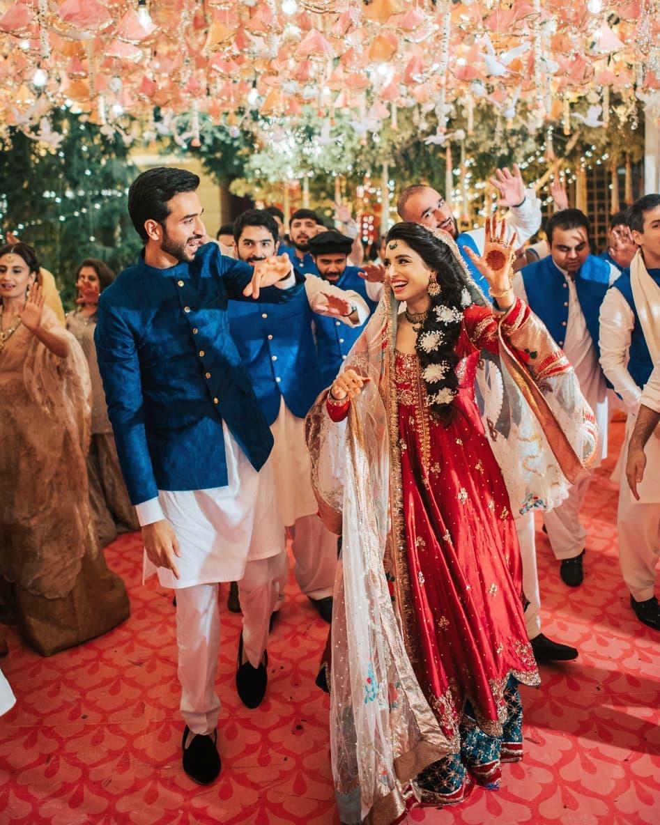 Sports Presenter Zainab Abbas Awesome Wedding Clicks