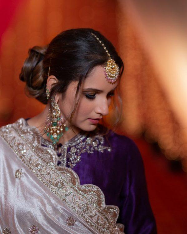Sania Mirza Looking Beautiful at her Sister Anam Mirza Mehndi