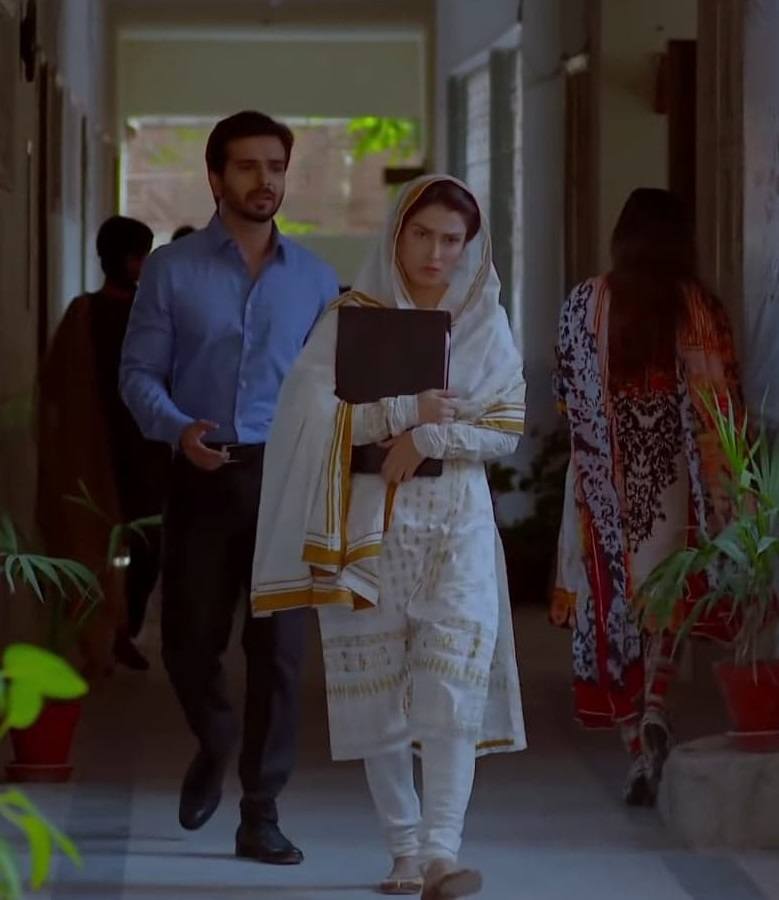 Ayeza Khan Wore Same Dress In 2 Dramas