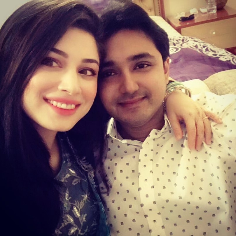 Actress Sidra Batool Latest Pictures with her New Born Daughter
