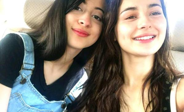 Popular Actresses With Beautiful Sisters