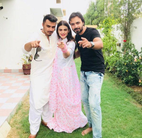 Gorgeous Hira Mani Awesome Family Clicks