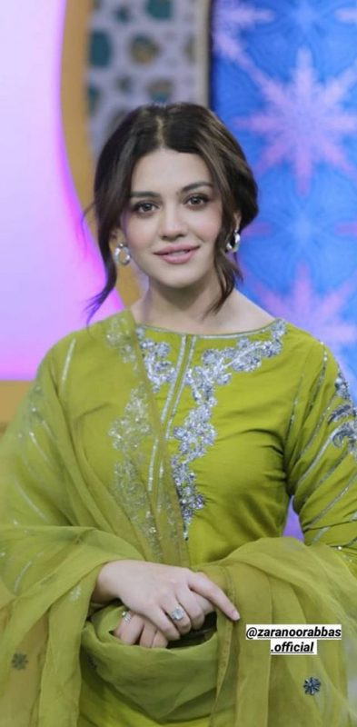 Beautiful face with lovely voice   Awesome Hamd By Actress Zara Noor Abbas