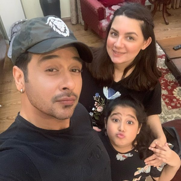 New Awesome Clicks of Faysal Qureshi with his Kids